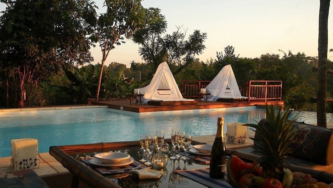 HOTEL RAICES AMAMBAI LODGE