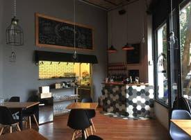 Charlone 101 - 20% en                      Restaurantes y Bares