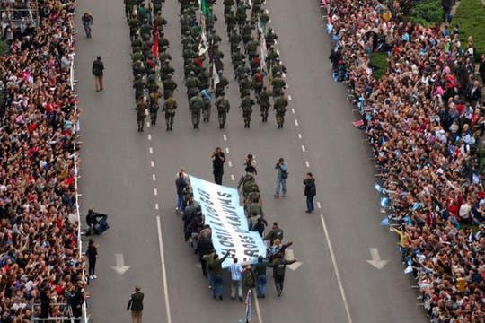 Una multitud participó de las celebraciones por los 200 años de la Patria. Foto: DyN