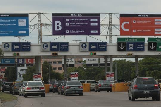 El cierre temporal del aeroparque metropolitano está generando caos de tránsito en las autopistas. Foto: LA NACION / Miguel Acevedo Riú