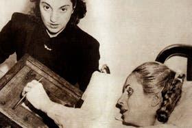 11 de noviembre de 1951: Eva Perón, ya enferma, vota desde el hospital en las elecciones generales