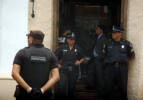 Detectives de la Policía de Seguridad Aeroportuaria hicieron el allanamiento en la sede policial