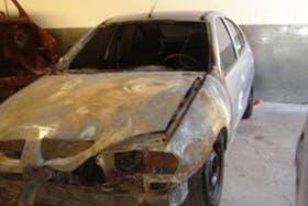 Así quedó el Renault Megane incendiado ayer