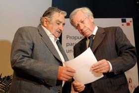 El vicepresidente de Uruguay, Danilo Astori, junto a Mujica