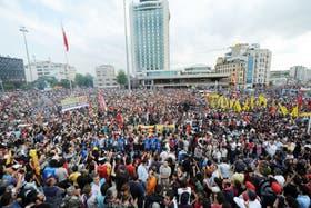 Hoy las protestas en Taksim son más pacíficas