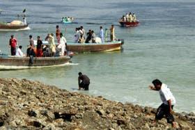 Los pobladores de Gwadar no salían de su asombro por el nuevo territorio hallado