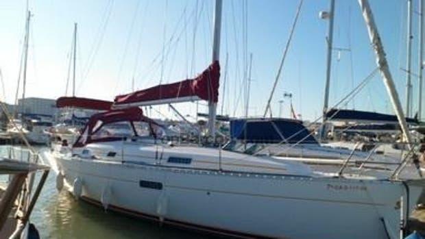 Una embarcación Goedermorgen marca Beneteau como la que se subasta