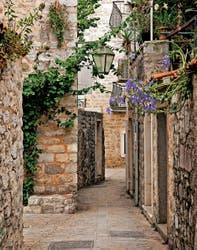 Los callejones de la fortaleza de Montenegro