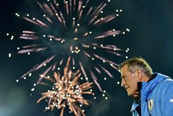 El Maestro Tabárez sigue enseñando: Uruguay inicia otro ciclo con el entrenador récord