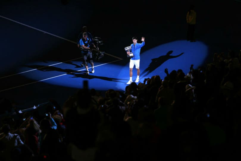 Novak Djokovic superó a Andy Murray y conquistó su quinta corona en Australia. Foto: AP