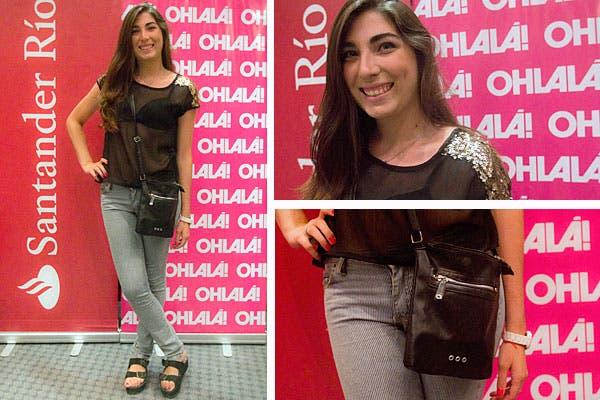 Jeans chupín y remera con transparencias y brillo. Foto: Matías Aimar