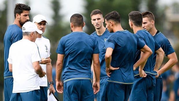 Bentancur, en su primer entrenamiento como jugador de la Juve