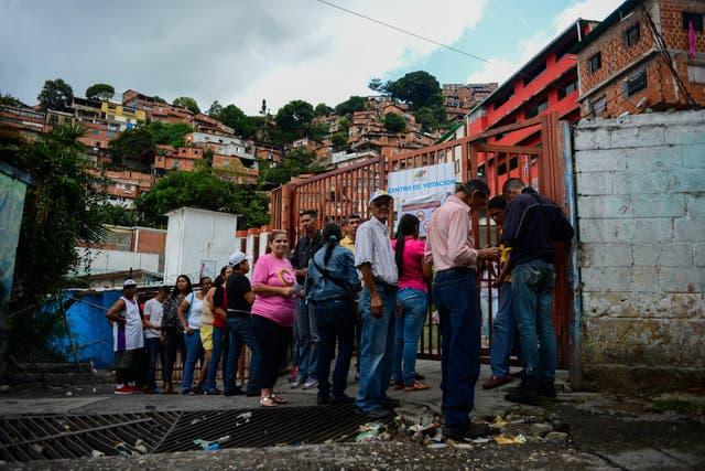 El gobierno de Venezuela llamó a elegir la celebración de una asamblea constituyente para modificar la Constitución