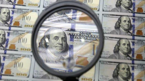 El dólar minorista subió tres centavos hasta los $ 17,96