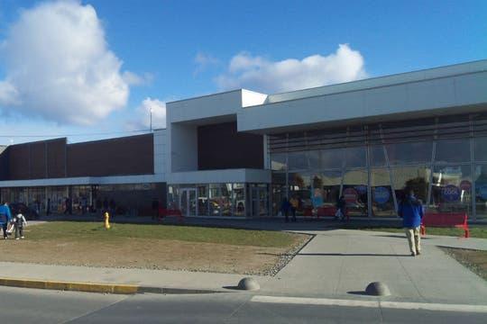 Centro comercial dentro de la zona franca de Punta Arenas. Foto: LA NACION / Juan Pablo De Santis