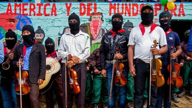 Músicos durante una manifestación de campaña de María de Jesús Patricio en La Garrucha, Chiapas