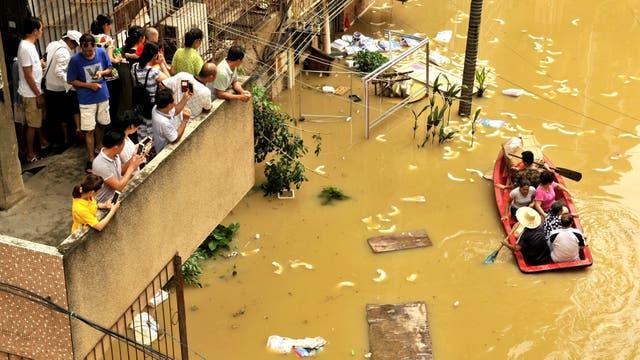 Calles inundadas en Nanning, Guangxi
