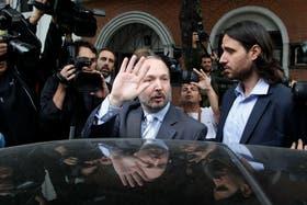 Martín Sabbatella notificó la adecuación de oficio al Grupo Clarín