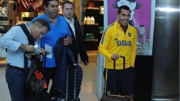 Angelici dice que la vuelta de Tevez es posible