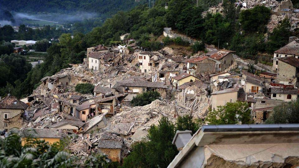 Vista de la magnitud de los destrozos que provocó el terremoto. Foto: AP / Cristiano Chiodi