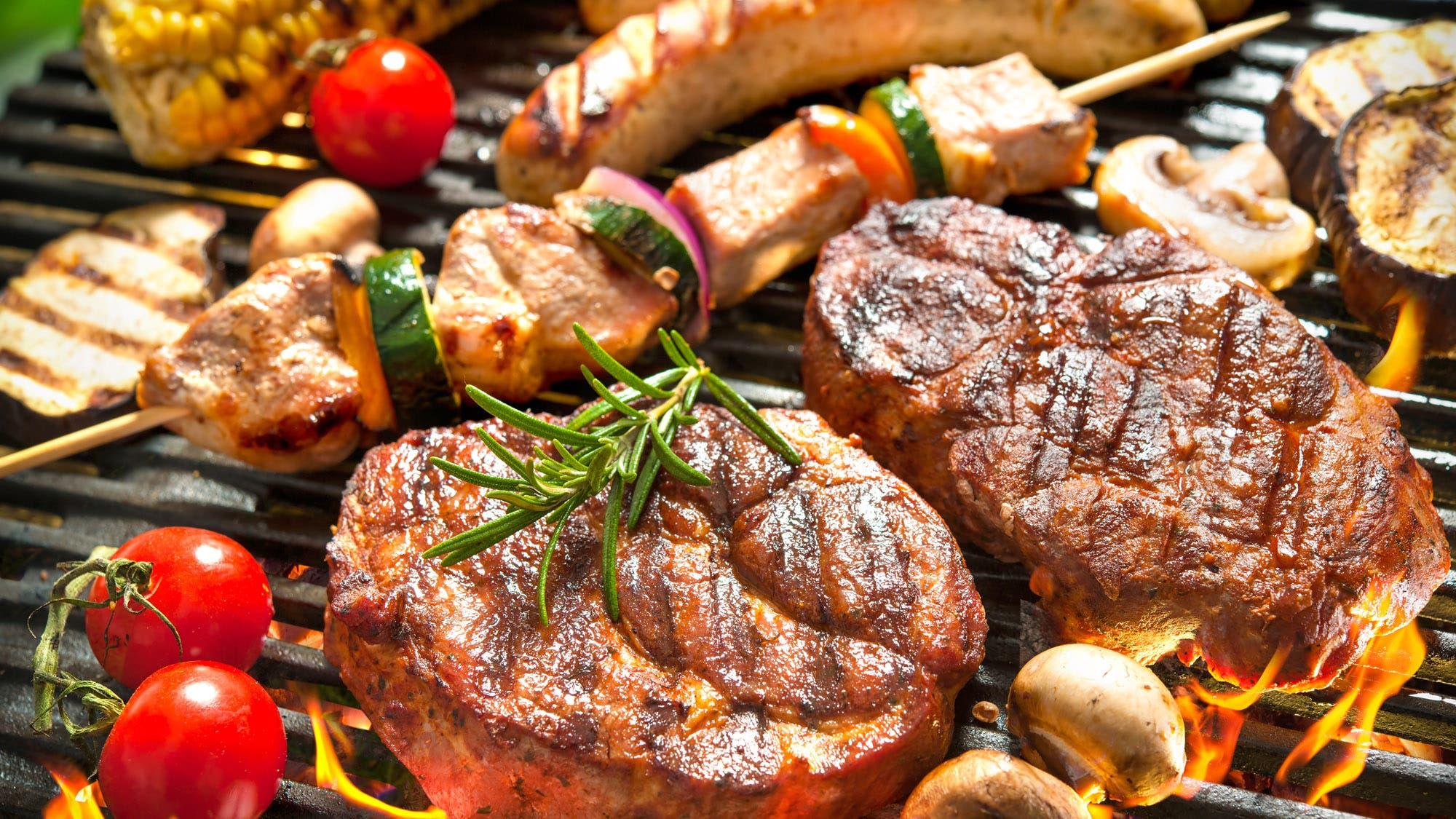 ¿Carbón o leña? ¿Qué corte de carne elegir? Secretos y recetas de parrilleros exitosos