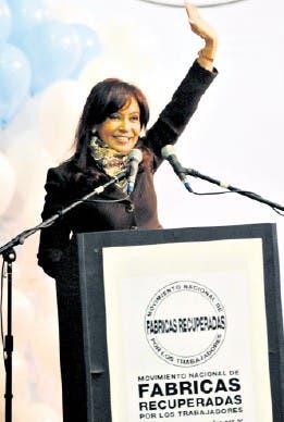 Cristina Kirchner, feliz, ayer, durante el acto en Villa Martelli