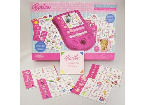 Juego Respuesta mágica de Barbie ($69,90, en Alparamis), ayuda a los chicos a asociar imágenes con conceptos sin necesidad de que sepan leer. Foto: lanacion.com