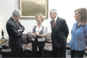 Llach, Aguerrondo, Tedesco y Gvirtz, durante el encuentro en LA NACION