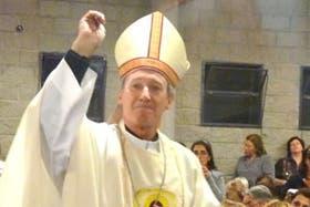 El titular temporal del Arzobispado de Buenos Aires, a la espera de que el Papa designe nuevo responsable, celebrando misa