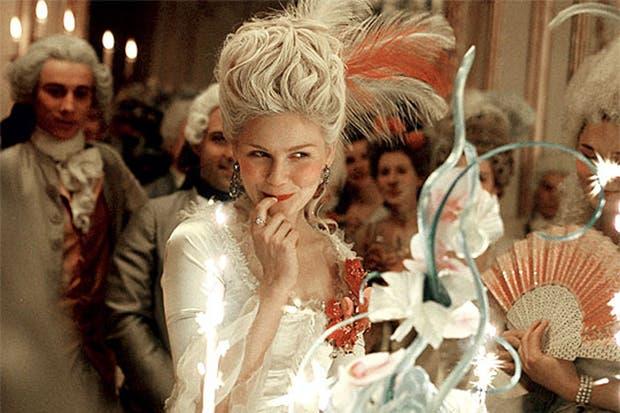 Kirsten Dunst le puso el cuerpo a María Antonieta, en el film de Sofia Coppola