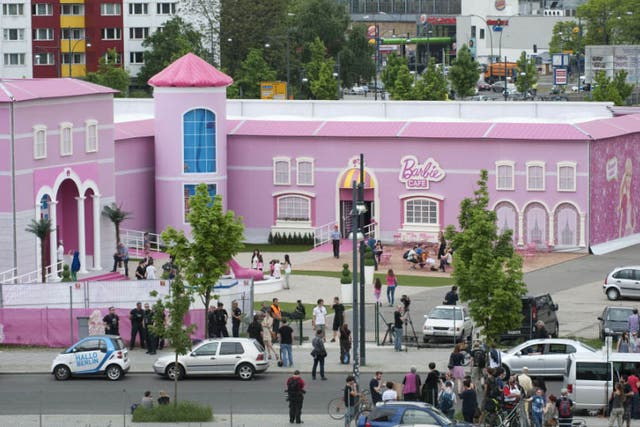 La casa de Barbie tiene un total de 2500 metros cuadrados