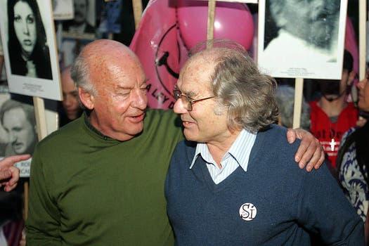 Junto a Perez Ezquivel en el octubre de 2009 en Montevideo Uruguay. Foto: Archivo