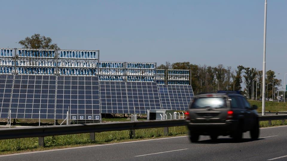 Las estructuras con paneles híbridos son fácilmente visibles para los usuarios del Camino del Buen Ayre Ricardo Pristupluk