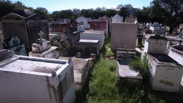 En Los Romeros, Córdoba, el cementerio tiene más tumbas que habitantes el pueblo