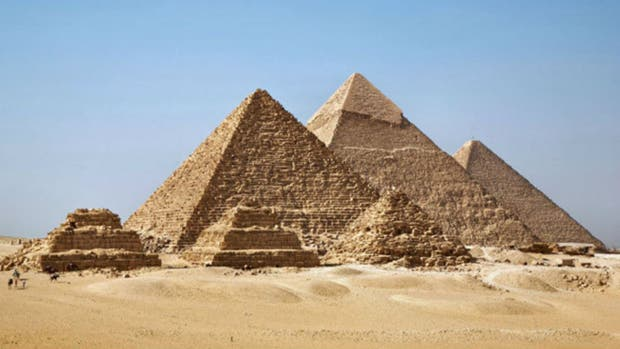 Dos cámaras secretas fueron halladas por un escáner en la tumba de Tutankamón