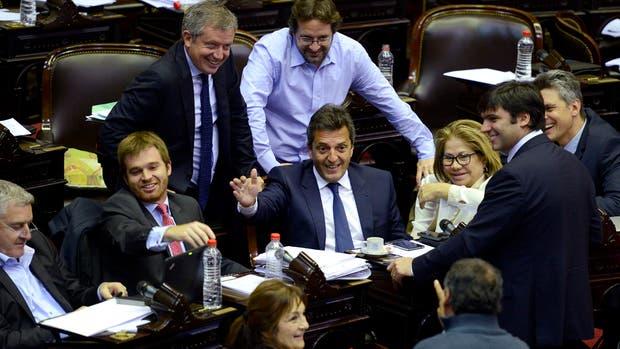 El gobernador riojano, Sergio Casas, pidió un extra de $ 2000 millones para su provincia