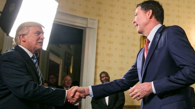 Donald Trump echó al director del FBI, James Comey