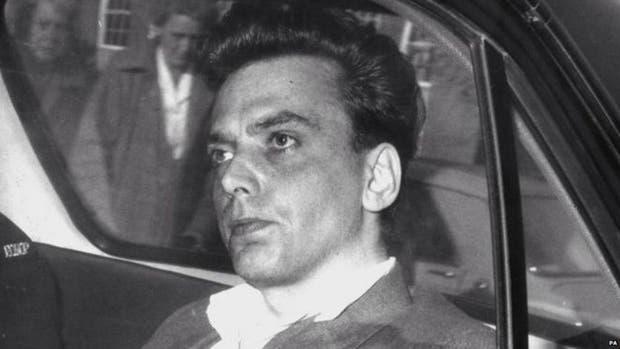 Brady asesinó a cinco niños en 1965 y 1966. Fue arrestado tras asesinar a Edward Evans, de 17 años, su última víctima.