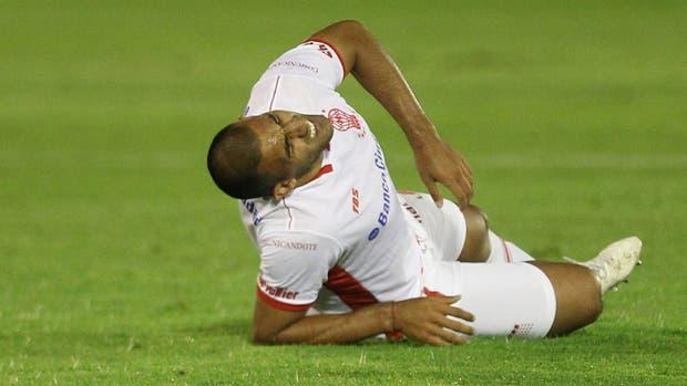 Así fue la charla entre Benedetto y Palermo tras la lesión