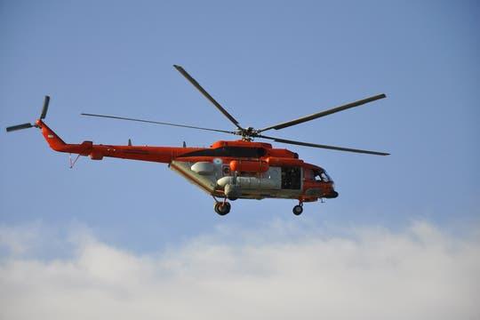 Trasladaron a tierra uruguaya la avioneta accidentada en el Río de la Plata. Foto: Prensa FAA
