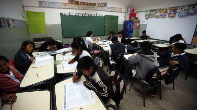 Florencio Varela. Hasta hace sólo cinco meses, el Ministerio de Educación de la provincia de Buenos Aires no sabía cuántas escuelas, docentes y alumnos dependían de esa cartera