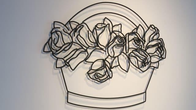 Cesta con rosas, hierro, 2017