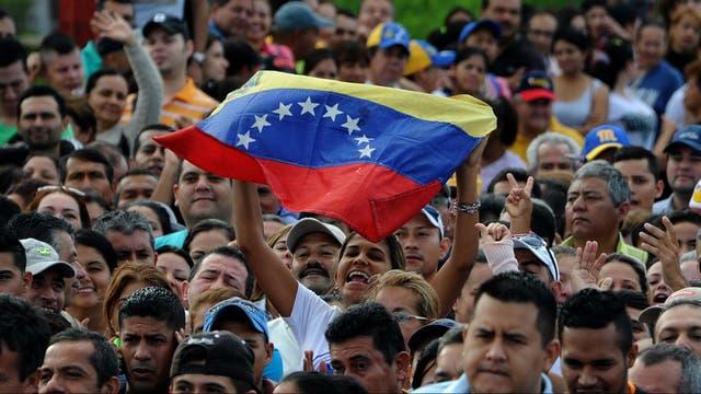 Miles de venezolanos cruzaron a Colombia por el puente Simón Bolívar, que une Táchira y Cúcuta