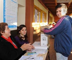 En los comicios de Misiones, ayer quedó inaugurado el voto de los jóvenes