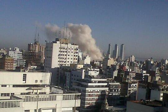Fuerte explosión en un edificio de Rosario.
