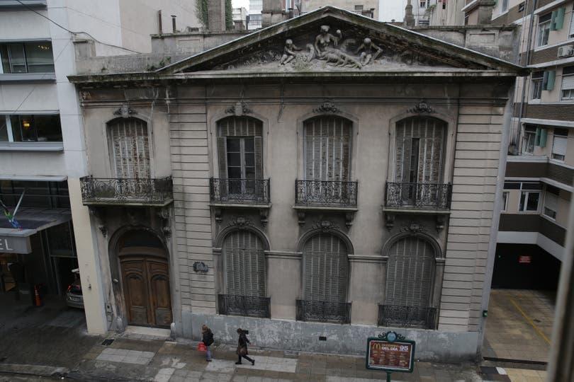 La casona es considerada uno de los pocos hotel particuliers que sobreviven en la ciudad de Buenos Aires. Foto: LA NACION / Soledad Aznarez