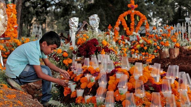 Hubo homenajes a los muertos en el último terremoto, en septiermbre de éste a?o, que dejó como saldo más 220 muertos