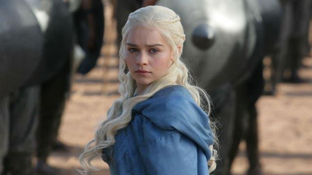Khaleesi se mueve con paso firme