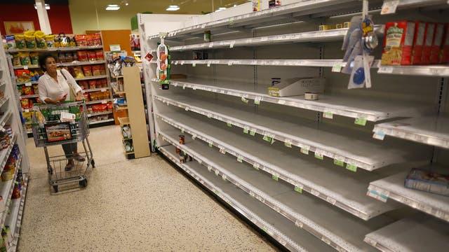 Tiendas de alimentos quedaron vacías en Miami