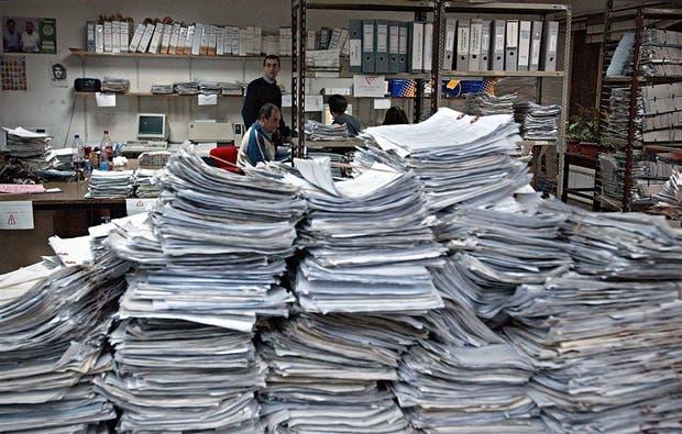Expedientes en los juzgados previsionales, la postal que es reflejo de los cientos de miles de reclamos